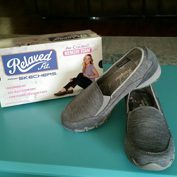 6ad1f78f3afc Skechers Relaxed Fix Memory Foam Sneakers NWT